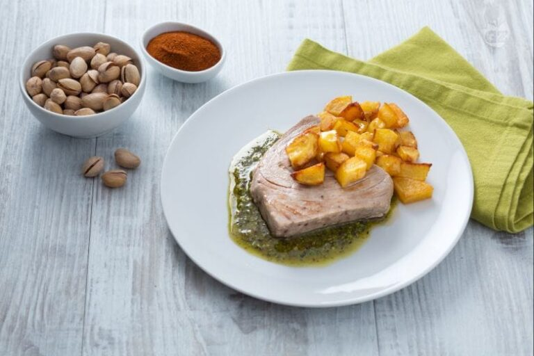 Filete De Atún Con Pesto De Pistachos