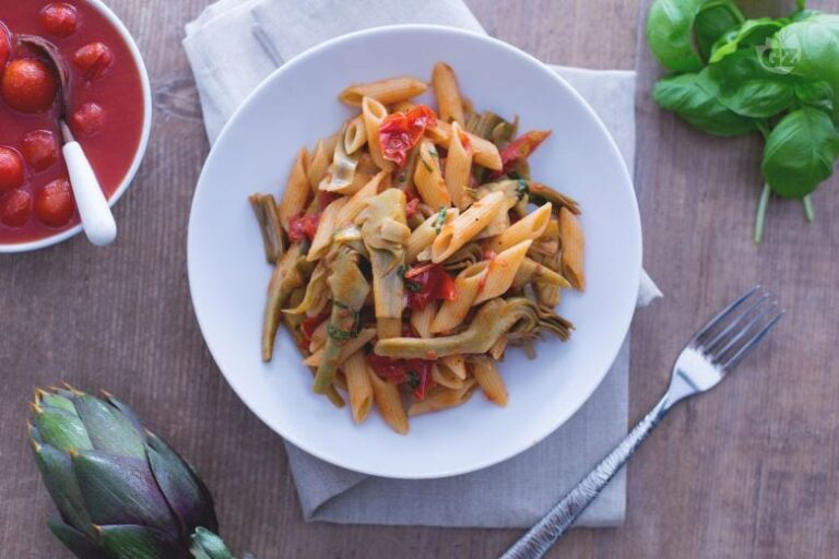 Penne Con Alcachofas Y Tomate