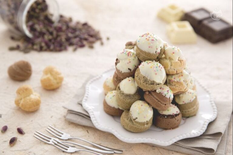 Profiteroles De Color Mascarpone